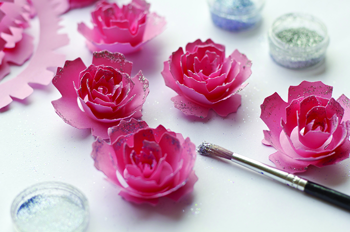 shutterstock_paper flower craft small